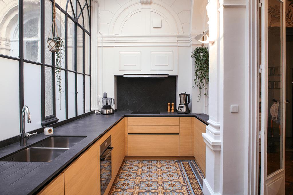 L'Atelier Hadrian réalise l'agencement architectural sur mesure d'une cuisine bobo chic