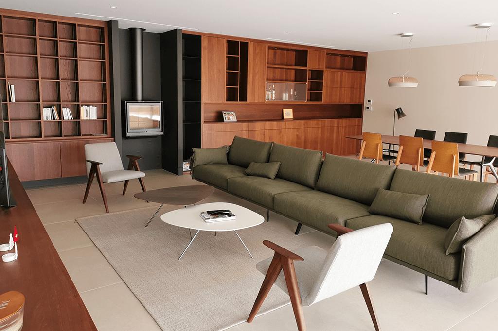 L'Atelier Hadrian réalise l'agencement architectural d'un séjour dans un style moderne et élégant